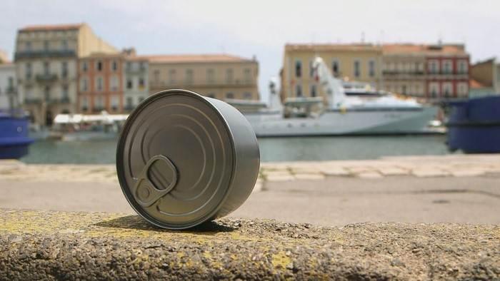 Les Français mangent chaque année près de 70 000 tonnes de thon en boîte.